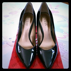 NEW) Guess Gwlava black heels size 7.5